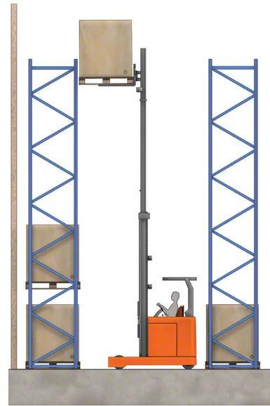 Algunas grúas horquilla pueden levantar la carga por encima de los 10 metros.