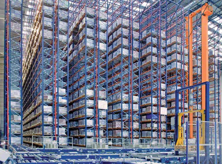 Racks de simple fondo en una compañía del sector cerámico para la construcción.