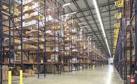 SanMar precisaba una bodega que le permitiera aumentar la capacidad de almacenaje y agilizar el proceso de preparación de los pedidos