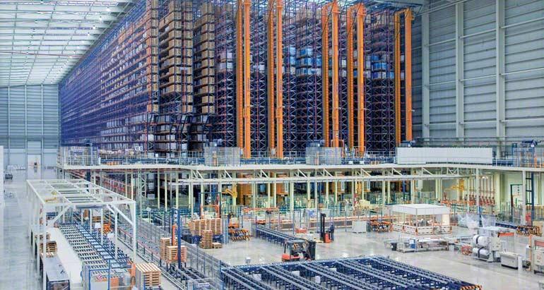Bodega para empresa dedicada a la comercialización de pavimentos y revestimientos cerámicos.