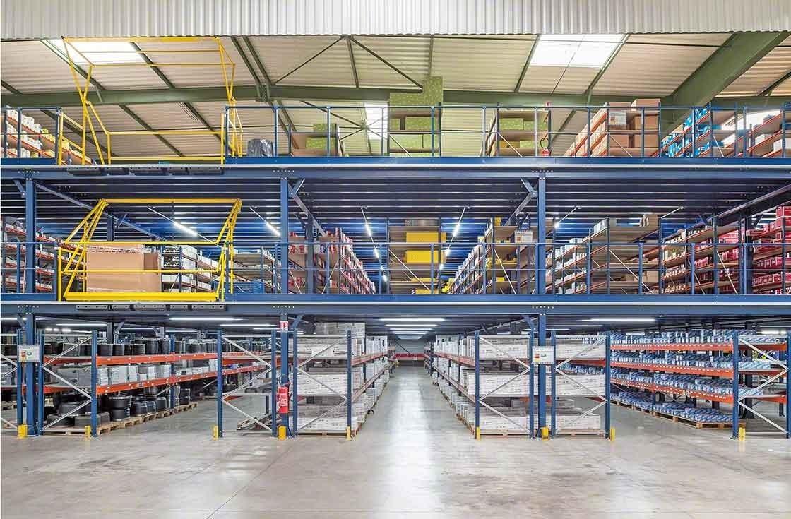 Panorama de las tres plantas de almacenaje de PAVI-Groupauto