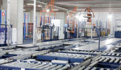 Mecalux implanta una bodega automática, centralizando las operaciones logísticas