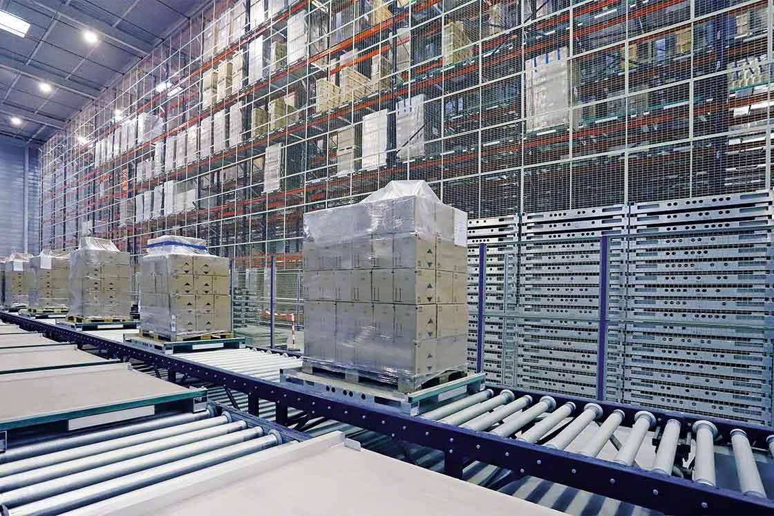 El transporte de cargas en la bodega es uno de los procesos importantes para el 'benchmarking' logístico