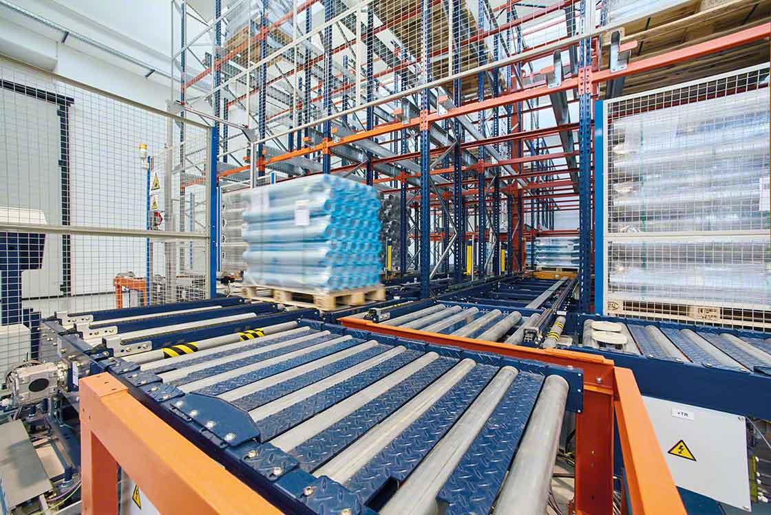 La automatización del movimiento de cargas reduce los 'lead times' de la bodega, mejorando la rotación de los productos