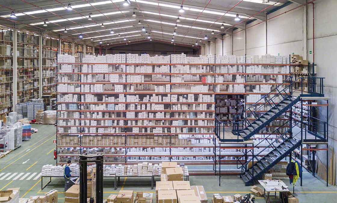 Las pasarelas ayudan a maximizar el espacio en  bodegas de operadores logísticos especializados en e-commerce